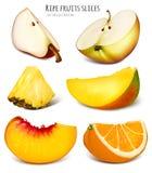 Scheiben von frischen Früchten lizenzfreie stockfotografie