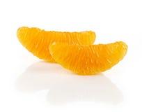 Scheiben wenn frische Mandarine auf weißem Hintergrund Lizenzfreie Stockfotografie