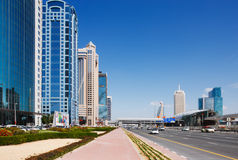 Scheich Zayed Road ist die verkehrsreichste Straße in Dubai Stockfoto