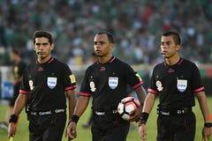 Scheidsrechters tijdens Copa Amerika Centenario royalty-vrije stock foto