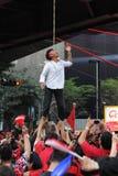 Scheinhängen an einem roten Hemd-Protest in Bangkok Stockbild