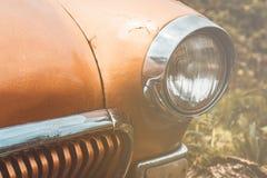 Scheinwerfer auf einem alten Auto Flache Schärfentiefe Lizenzfreie Stockbilder