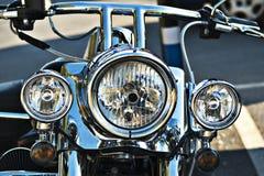 Scheinwerfer auf einem Motorrad Lizenzfreie Stockfotos
