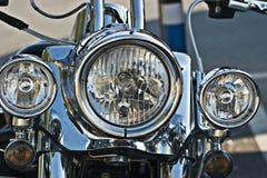 Scheinwerfer auf einem Motorrad Stockbild