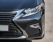 Scheinwerfer der prestigevollen Autonahaufnahme Stockfoto