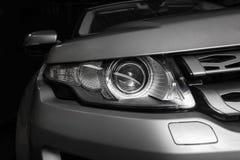 Scheinwerfer der prestigevollen Autonahaufnahme Lizenzfreies Stockfoto