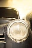 Scheinwerfer des Retro- Autos Stockfotos