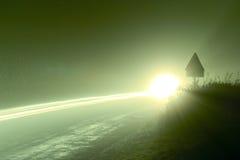 Scheinwerfer im Nebel Stockfotos