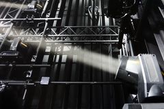Scheinwerfer Strahl der Leuchte stockbild
