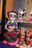 Scheletro variopinto messicano del cranio, giorno di dias de los muertos della morte morta fotografia stock