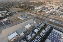 Schemer Luchtvan nuys airport stock foto's