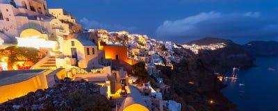 Schemer in Oia Santorini Griekenland royalty-vrije stock afbeeldingen