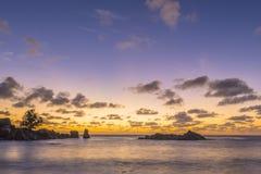 Schemer op Tenger Anse-strand, Seychellen stock afbeelding
