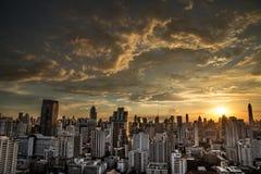 Schemering in Bangkok Thailand Royalty-vrije Stock Afbeeldingen