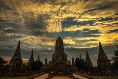 Schemering bij Pagode in Wat ChaiWatthanaram, Ayutthaya, Thailand 5 Stock Afbeeldingen