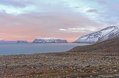 Schemering in het Hoge Noordpoolgebied Stock Foto