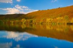 Schemering op de Vltava-rivier - HDR-Beeld Stock Afbeeldingen