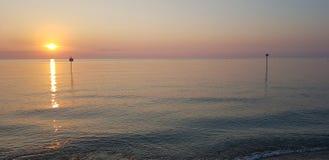 Schemering overzees strandwater royalty-vrije stock foto