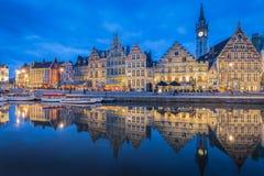 Schemeringmening van Gent, Vlaanderen, Belgi? stock afbeelding