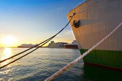 Schepen bij de haven royalty-vrije stock afbeeldingen