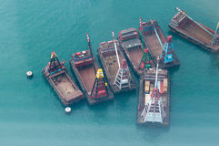 Schepen in de haven van Victoria in Hongkong Royalty-vrije Stock Afbeeldingen