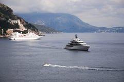 Schepen en boten op het Adriatische Overzees Royalty-vrije Stock Foto