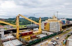 Schepen in het Kanaal van Panama Stock Fotografie