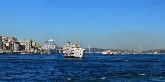 Schepen in Istanboel Royalty-vrije Stock Afbeeldingen