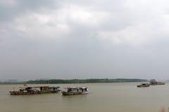 Schepen op de Yangtze-Rivier stock afbeelding