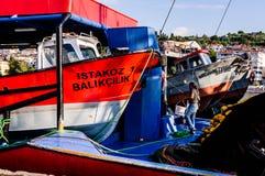 Schepen op Vissersbaai van Yalova Turkije Stock Afbeelding