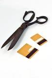 Scheren und geschnittene Kreditkarte Stockfotografie