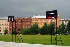 Schermi per giocare streetball Immagini Stock