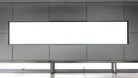 Schermo in bianco del LED TV sulla parete Immagini Stock Libere da Diritti