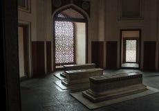 Schermo di marmo del tomba di Mughal e della grata Fotografia Stock
