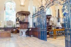 Schermo di rood del ferro e di Derby Cathedral Pulpit HDR immagine stock