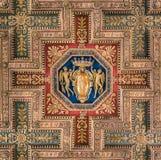 Schermo di SPQR nel soffitto della basilica di Santa Maria in Ara Coeli, a Roma, l'Italia Fotografia Stock