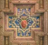 Schermo di SPQR nel soffitto della basilica di Santa Maria in Ara Coeli, a Roma, l'Italia Fotografie Stock Libere da Diritti