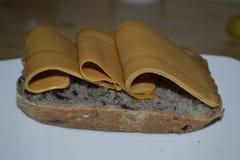 Scherp brood op een plaat Royalty-vrije Stock Foto's