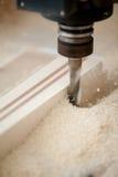 Scherp hout bij CNC het malen Stock Fotografie