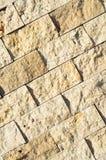 Scherpe beige marmeren opgestelde muur, stock foto