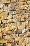 Scherpe beige marmeren opgestelde muur, stock fotografie