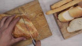 Scherpe brood hoogste mening stock footage