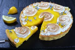 Scherpe citroen of Tarte-de sukade van Au stock fotografie