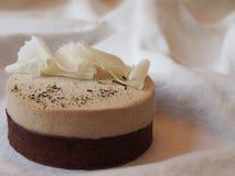 Scherpe de laag van de chocoladeroom Royalty-vrije Stock Foto's