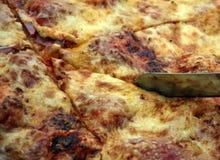 Scherpe pizza Stock Foto