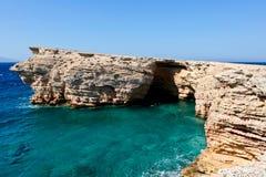 Scherpe rotsen in Koufonissia Griekenland Royalty-vrije Stock Afbeelding