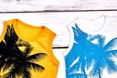 Scherza le nuove magliette senza maniche sveglie Fotografia Stock Libera da Diritti