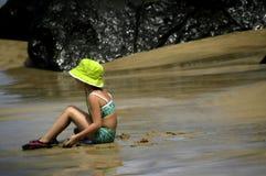 Scherzi il tempo alla spiaggia Fotografia Stock