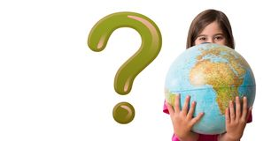 Scherzi la ragazza con il punto interrogativo ed il globo verdi brillanti del mondo Fotografia Stock Libera da Diritti
