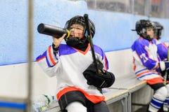 Scherzt Eishockey lizenzfreie stockfotos